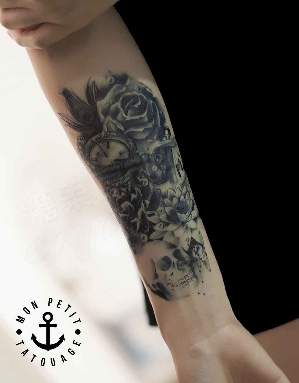 tatouage t te de mort ancre horloge rose composition. Black Bedroom Furniture Sets. Home Design Ideas